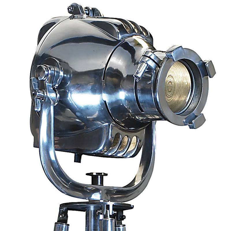 Projecteur de cin ma d co shop latitude deco lampe projecteur de cin ma sur tr pied for Projecteur deco